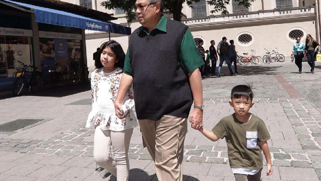 Begini Saat Jokowi dan SBY Menghabiskan Waktu Bersama Cucunya