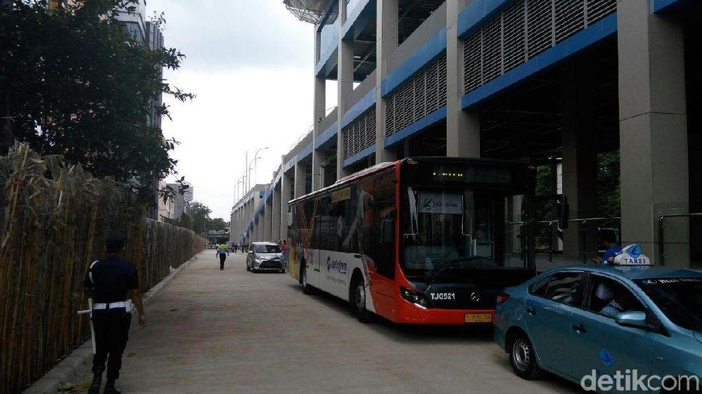 Ke Stasiun Kereta Bandara Soetta Kini Bisa Pakai TransJakarta