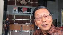 Foto: Senyum Wapres XI Boediono di Gedung KPK