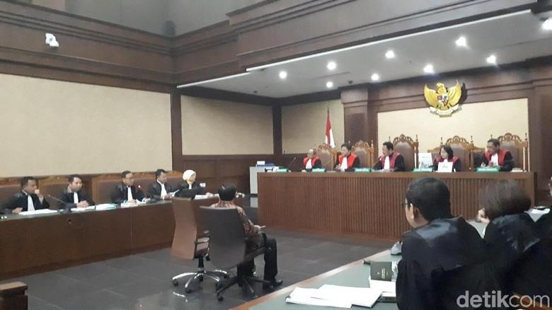 Sidang Setya Novanto, Hakim Bacakan Putusan Sela 4 Januari 2018