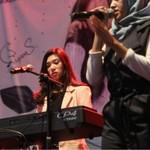 Duet Pemenang School Competition & Isyana di Mio S Roadshow Concert