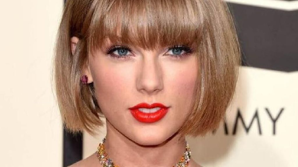 Foto: 9 Artis Hollywood yang Makin Cantik dengan Gaya Rambut Pendek