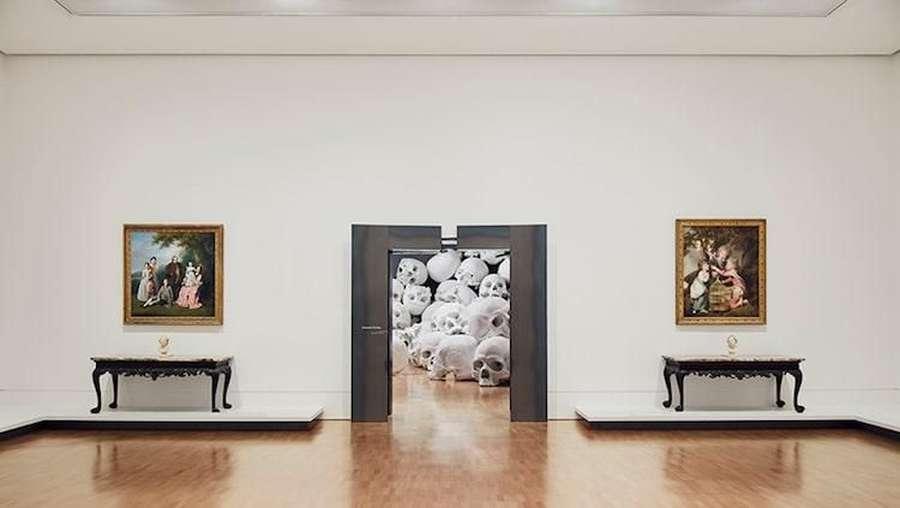 Tertarik Lihat Ratusan Kepala Tengkorak di Antara Lukisan Abad ke-18?