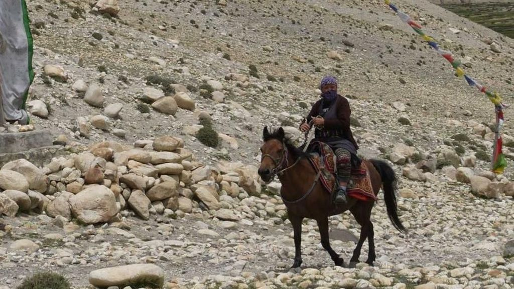 Foto: Suku Mustang, Orang-orang yang Percaya Bumi Datar