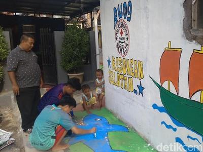 Warna-warni Kampung Pelangi di Cirebon
