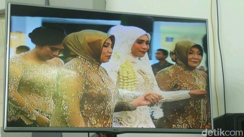 Sultan HB X Bacakan Puisi Kahlil Gibran di Pernikahan Putri Mensesneg