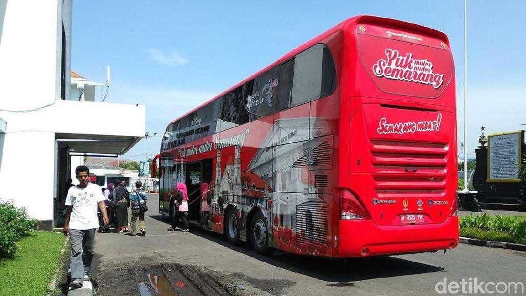 Tahun Baruan di Semarang, Enaknya Naik Bus Wisata