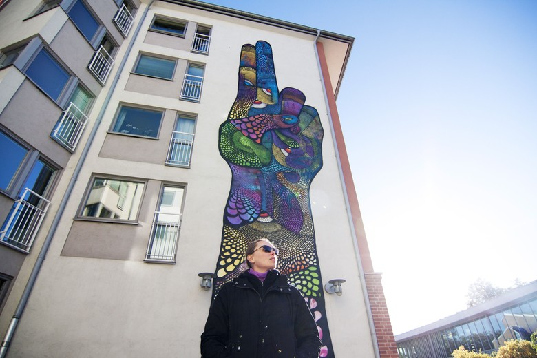 Mural Bergambar Kelamin Pria Disensor, Senimannya akan Dipolisikan?