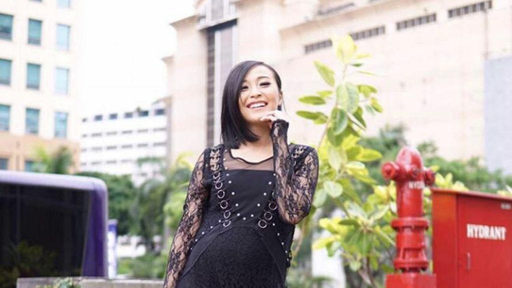 Cantiknya Rinni Wulandari di Usia Kehamilan 7 Bulan