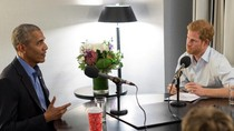 Pangeran Harry Wawancarai Obama: Bahaya Medsos dan Perasaan Saat Lengser