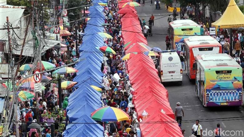 Sandiaga: Penempatan PKM di Depan Stasiun Tanah Abang Sementara