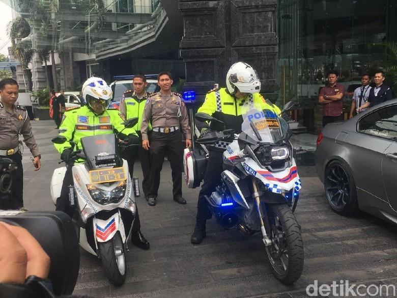 Naik Moge, Kakorlantas Cek Arus Lalin dari Bandung ke Puncak