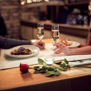 Yuk, Rayakan Tahun Baru dengan Santap Romantis di 5 Resto Ini!