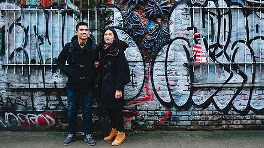 Asyiknya Dian Sastro dan Keluarga Berlibur ke Inggris