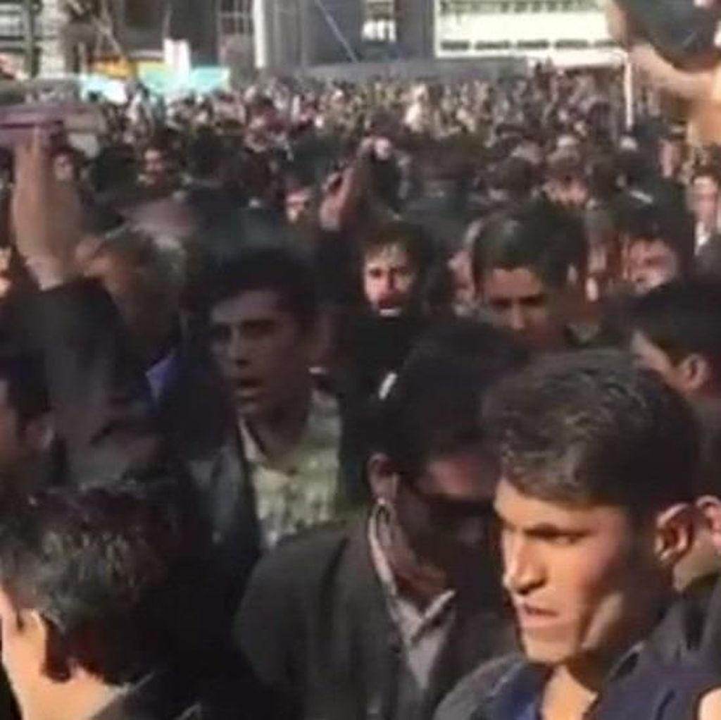 Memahami Gejolak Politik di Iran