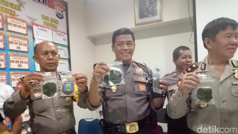 Polisi Amankan 200 Gram Ganja Gorilla untuk Pesta Tahun Baru di Makassar