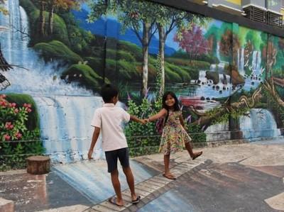 Ada Rumah Warna-warni di Kalimantan