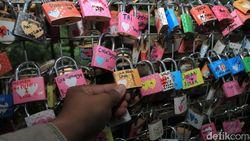 Gembok Cinta Romantis Ala Bandung