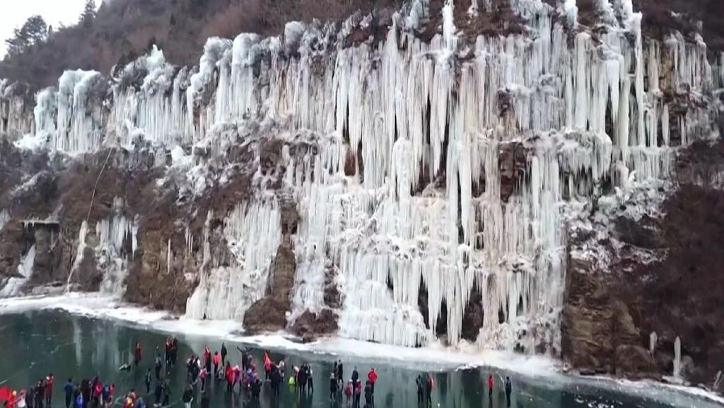 Melihat Pemandangan Negeri Dongeng di Musim Dingin
