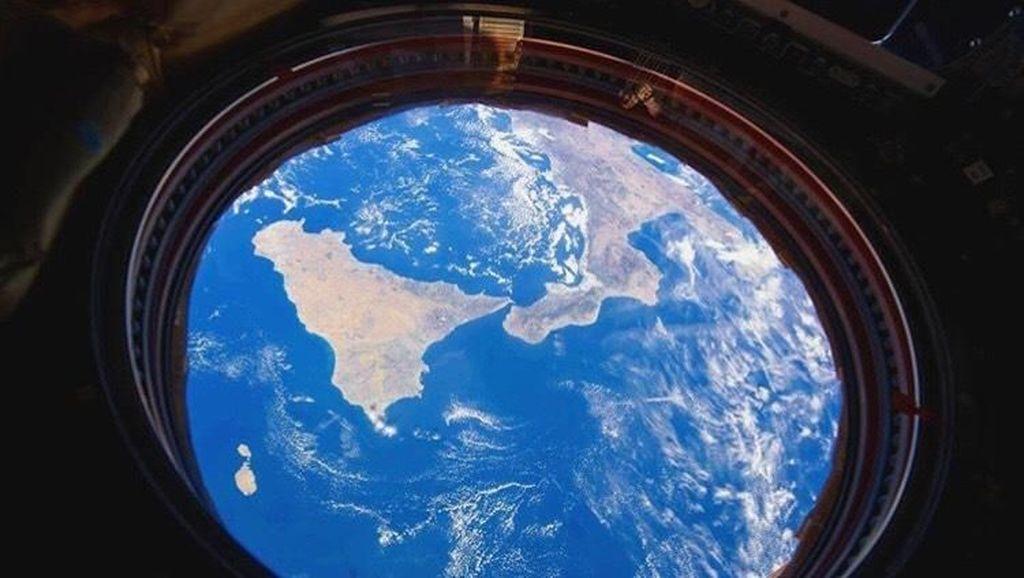 Netizen Tak Rela NASA Vakum