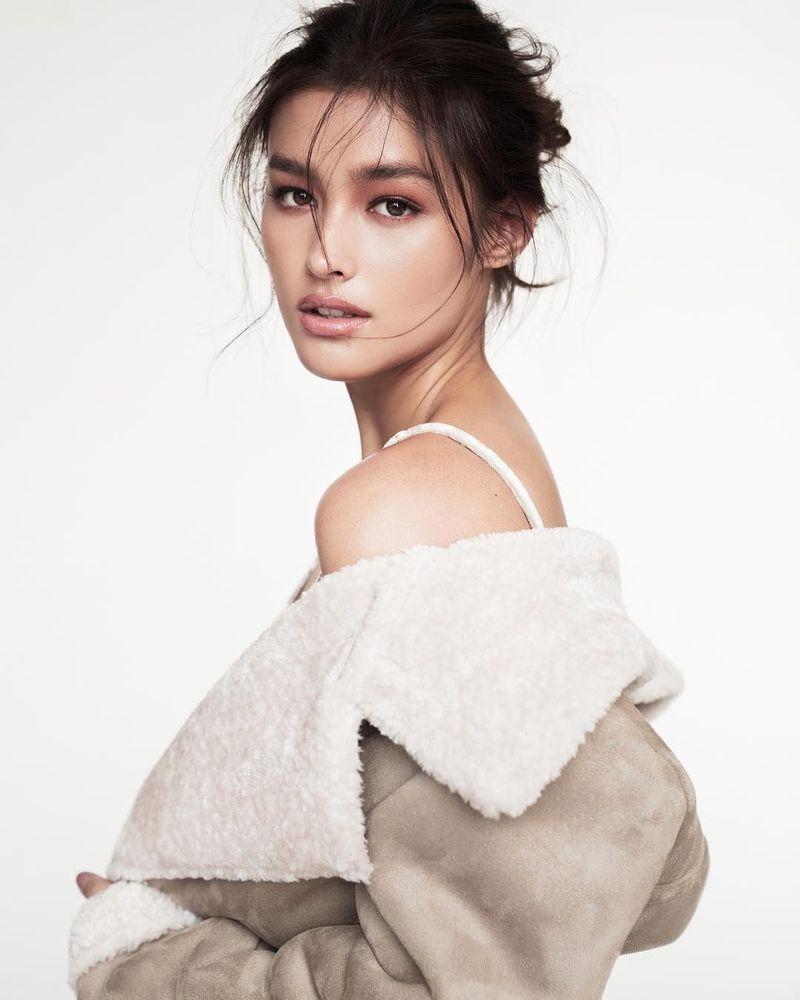 Baru berusia 19 tahun, Liza Soberano didaulat sebagai wnaita tercantik sedunia di tahun 2017. Blasteran Filipina Amerika ini pun suka memposting liburannya lewat Instagram pribadinya @lizasoberano (Instagram/lizasoberano)