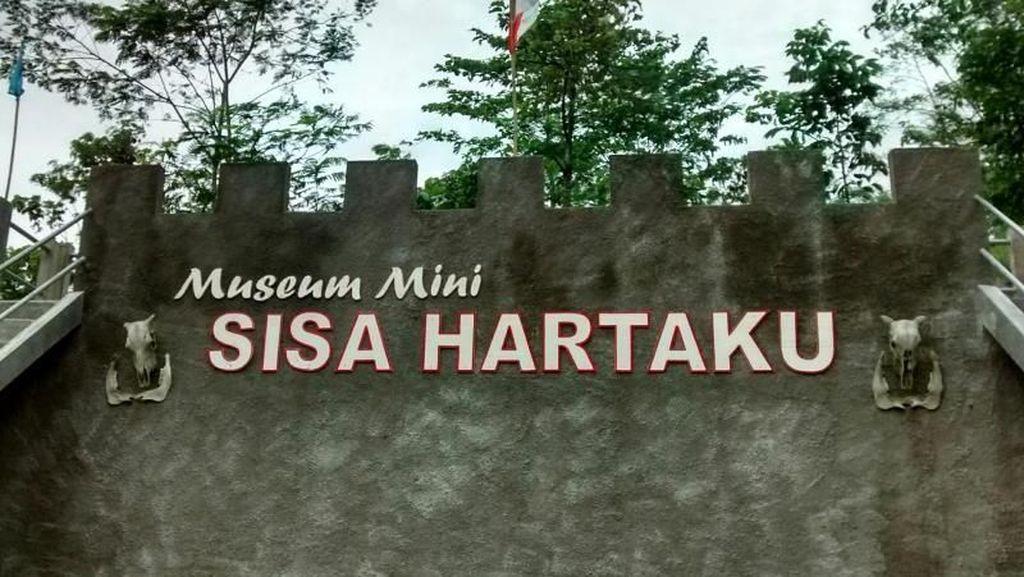 Mengintip Museum Mini Sisa Hartaku
