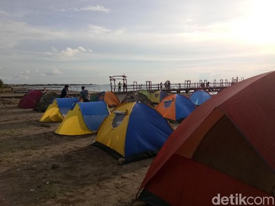 Malam Tahun Baru di Makassar, Ada Camping Beach Party
