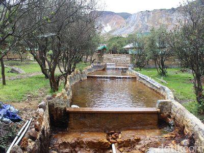 Ajaib, Ada Sungai Berwarna Kuning di Gunung Papandayan