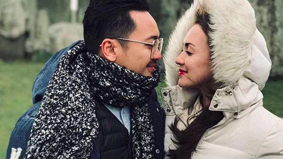 Love is in The Air! Mesranya Rianti Cartwright dan Cas Alfonso