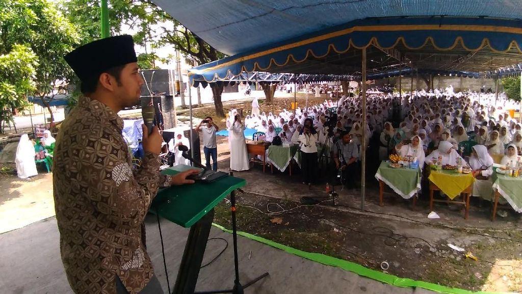 Emil Sisir Surabaya, Hadiri Hari Ibu yang Digelar Muslimat NU