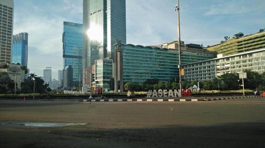 Potret Jakarta Lengang di Hari Pertama 2018