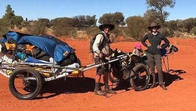 Umur 15 Bulan, Bayi Ini Diajak Orang Tuanya Lintasi Benua Australia