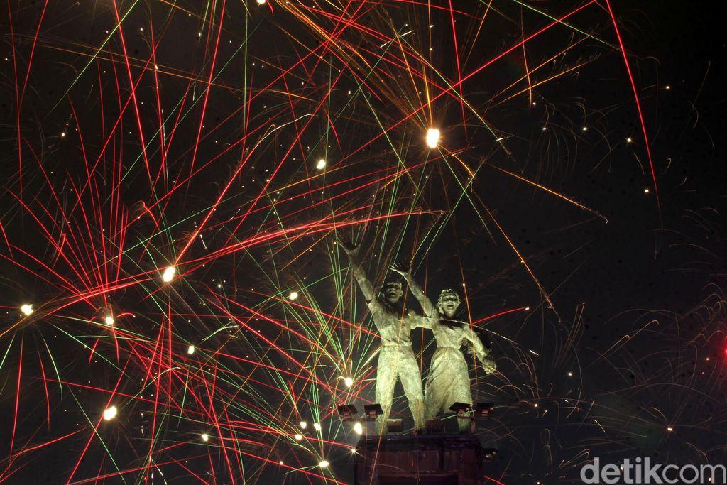 Patung Selamat Datang, Jakarta, Indonesia. Foto: Grandyos Zafna