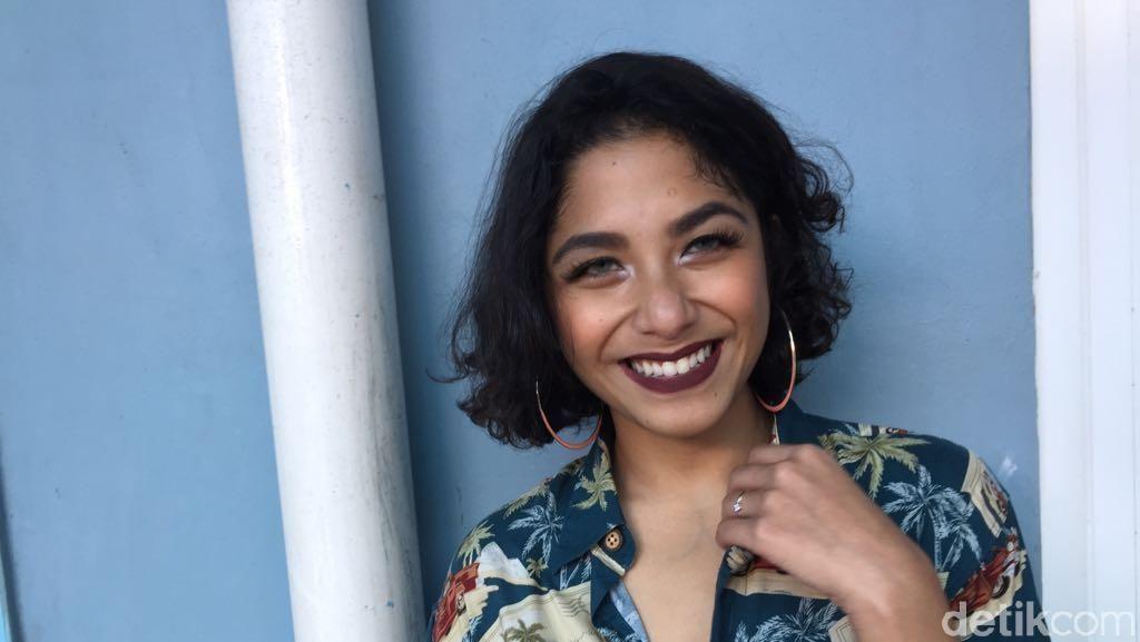 Tak Cuma Menyanyi, Nadine Woworuntu Rambah Dunia Akting