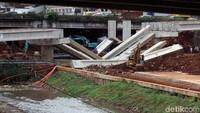 Semua Pekerjaan Konstruksi Layang Dihentikan, Basuki: Perintah Jokowi