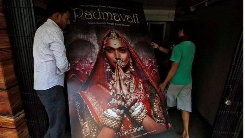 Ditolak, Film Bollywood Kontroversial Padmavati Tetap Boleh Tayang