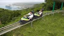 Main Kereta Luncur Salju di Hutan Tropis, Bisa!