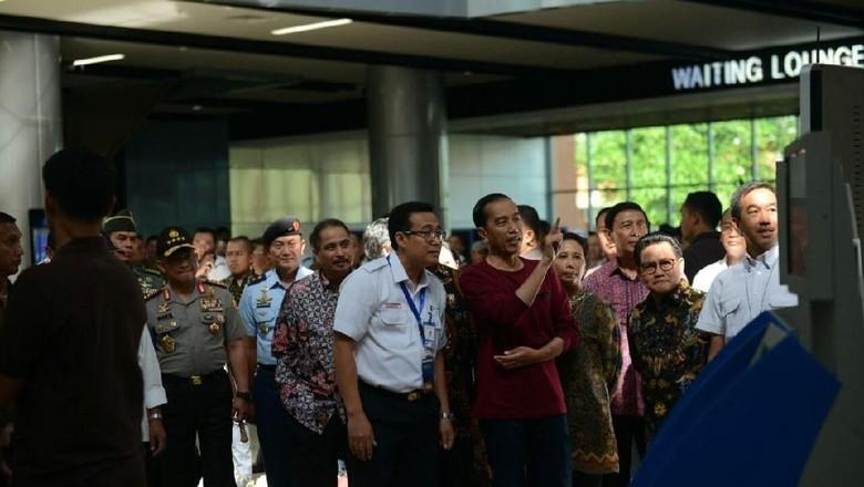 Beli Kereta Bandara Tidak Bisa Cash, Ini Kata Jokowi