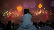 Potret Kemeriahan Tahun Baru di Indonesia & Berbagai Penjuru Dunia
