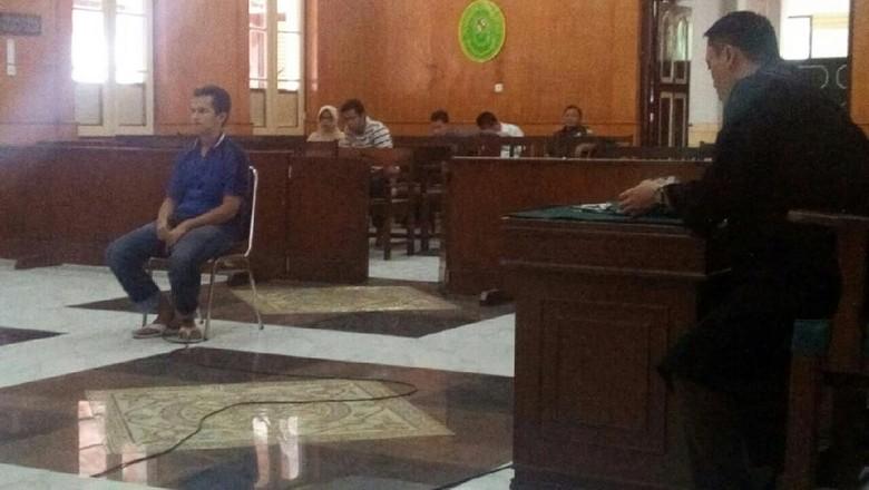 Didakwa Hina Presiden dan Kapolri, Ringgo Dituntut 2 Tahun Penjara