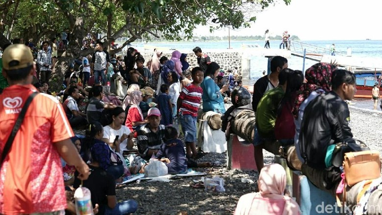 Foto: Wisatawan berlibur di Banyuwangi (Ardian Fanani/detikTravel)