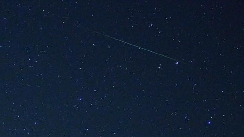 Hujan Meteor Hiasi Langit Indonesia di Awal Januari