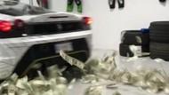 Bukan Asap, Ferrari Ini Keluarkan Uang Saat Burnout