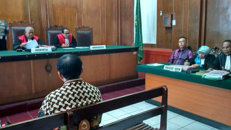 Saksi Ahli Hukum Pidana Dihadirkan di Persidangan Bos Pasar Turi