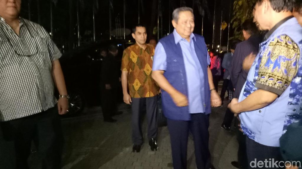 Jelang Emergency Meeting PD, SBY Tiba di Wisma Proklamasi