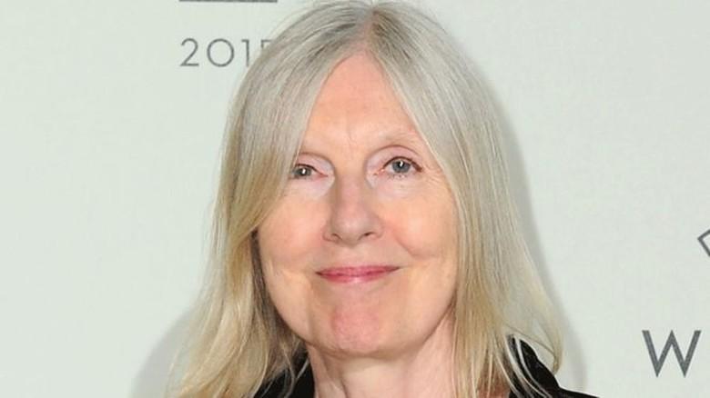 Helen Dunmore Menangkan Penghargaan Hadiah Puisi Costa