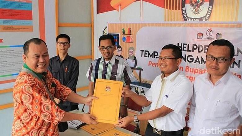 Tiga Kandidat Bacabup Tulungagung Ambil Formulir Pendaftaran