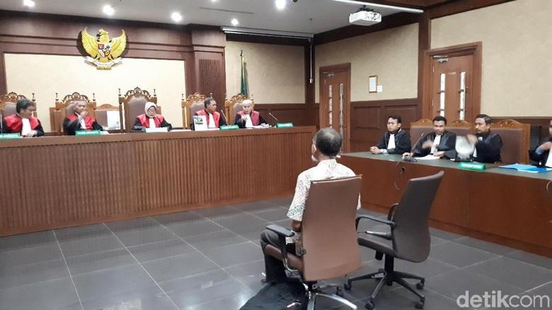 Eks Pejabat Bakamla Didakwa Terima SGD 104.500 Terkait Proyek