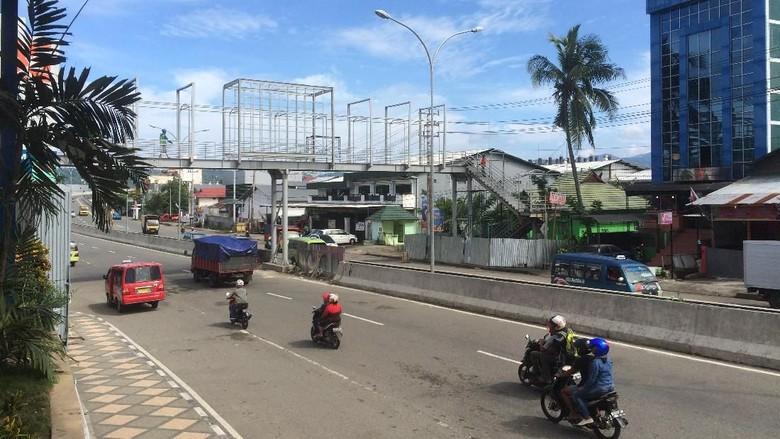Ambon Akhirnya Punya Jembatan Penyeberangan Orang
