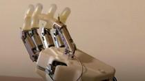 Ilmuwan Kembangkan Tangan Bionik Luke Skywalker yang Bisa Rasakan Sentuhan